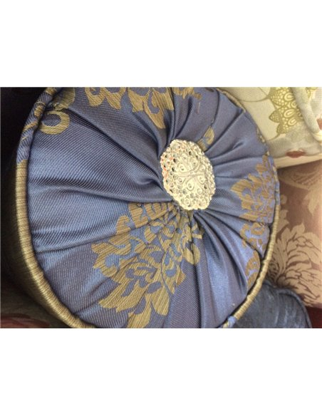 Цилиндрическая подушка на диван (вариант 09)